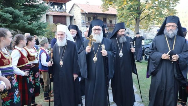Антіохійський і Сербський Патріархи закликали Константинопольського Патріарха до «братського діалогу» для відновлення миру