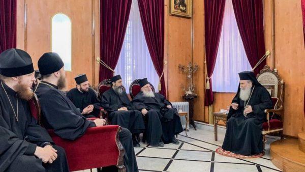 Патріарх Єрусалимської Церкви Блаженніший Феофіл прийняв у своїй резиденції паломників Української Православної Церкви