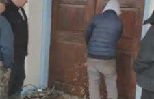 На Вінниччині прихильники «ПЦУ» захопили храм УПЦ, зрізавши двері болгаркою (+відео)